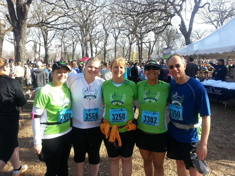 Some of our Jeff Galloway group members posed for a pre-race pic.